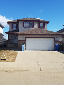 2 STOREY FULLY DEV W INLAW SUITE. SEP ENT. DBL ATT GARAGE