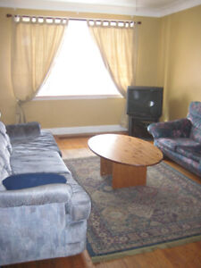 McMaster Student Rental - Group of 7