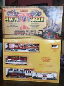 EMMETT KELLY JR. CIRCUS Electric Train Set - G Scale