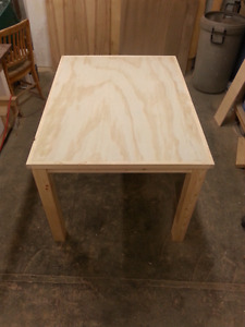 Brand new table 3'x4'