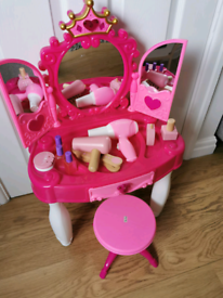 Dressing table role play