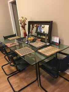 Glass Dining Table and Chairs Kitchener / Waterloo Kitchener Area image 1