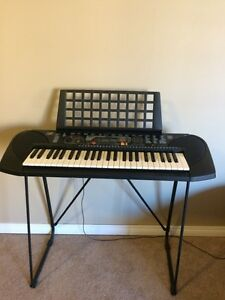 Great condition keyboard with stand London Ontario image 1