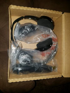 Chevy GMC Cadillac 2 wireless headsets with remote
