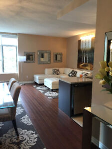STUNNING HUGE 5 1/2 (1800 SQ. FT.)  WATERFRONT CONDO FOR RENT !