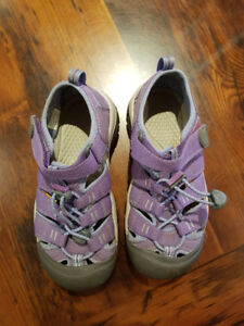Keen Kid's Newport H2 Sandals. Girls size 1.