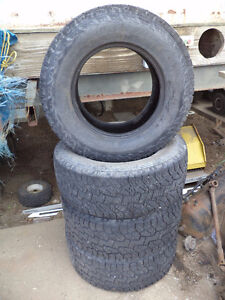 Set of four Hankook Dynapro 325/60R18 tires