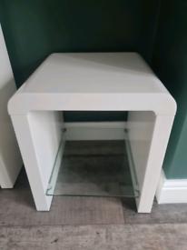 High gloss side table with glass shelf