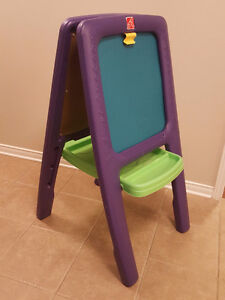 Step 2 Easel, 2 sided magnetic art board and chalk board