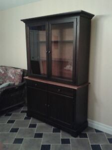 SOLID WOOD BUFFET/HUTCH