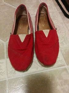 Gently used red Toms