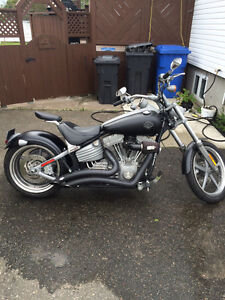 2009 HARLEY ROCKER C-FXCW- LOW KMS-FINANCING 100% APPROVED