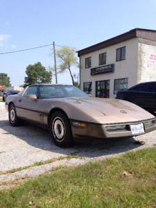 1984 corvette motor trend car of the year