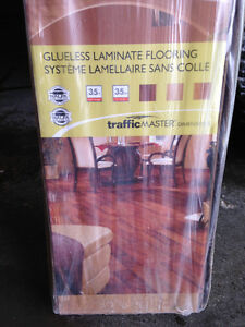 4 Cartons glueless laminate flooring