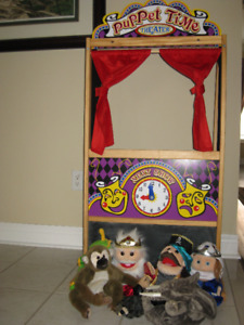 Melissa and Doug Puppet Time Theatre and 7 puppets