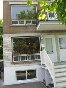 Chateauguay Landlord looking for someone to do Window Caulking