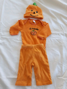0-3 month Halloween costume/outfit