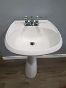Pedestal Sink and Tap