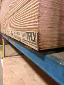 """Pluwood->3/4""""x 4'x 8' tong and groove fir select Plywood."""