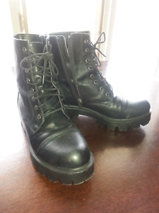 Womens size 9 boots