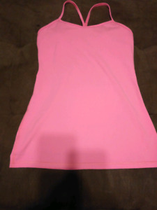 $20$ Lululemon Work Out Top Pink (Size 6)