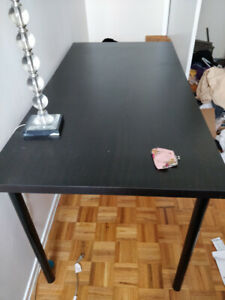 SELLING LARGE DESK - EASY ASSEMBLE (NO SCREWDRIVER NEEDED)