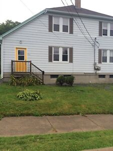 2 Bedroom - On a quiet Dead End Street