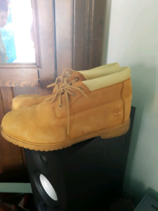 TIMBERLAND BOOTS SIZE 15 MID CUT WHEAT COLOR