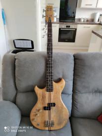 Westone Thunder I-A Base Guitar