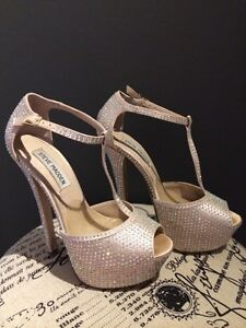 GORGEOUS CRYSTAL BEDAZZLED STILETTOS
