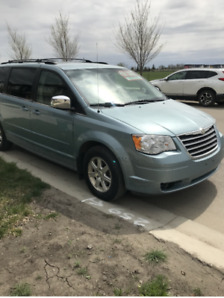 2008 TOWN AND COUNTRY TOURING VAN, 3.8 ENGINE, LADY DRIVEN