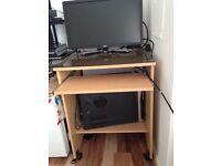 Small computer desk