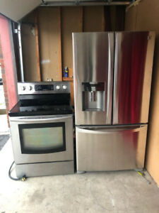 Stainless Steel Excellent Condition Fridge And Stove Set