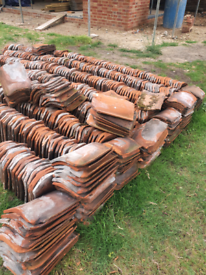 Approx 400 clay pantiles, hand and machine mades