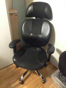 Black Computer/ Gaming Chair for Sale!