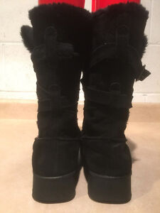 Women's Black Leather Winter Boots Size 9 London Ontario image 5