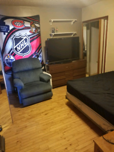 Room for rent for March 1st.