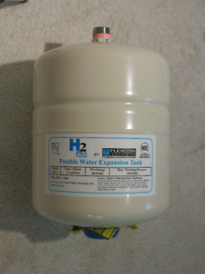 Flexcon Industries PH5 potable water expansion tank - like new!