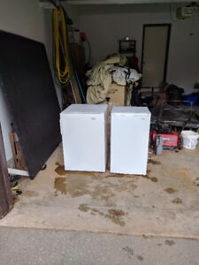 Compact refrigerator and compact freezer