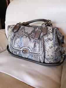 Coach pearlescent python Campbell satchel handbag purse bag Belleville Belleville Area image 3