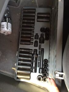 Impact gun with socket set