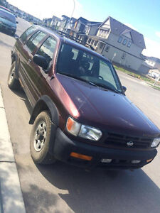 1997 Nissan Pathfinder 4x4 - Great for winter!