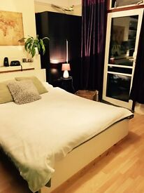 Big single room with a double bed