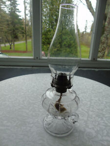 VINTAGE KEROSENE  FINGER OIL LAMP