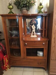 China cabinet  Peterborough Peterborough Area image 1