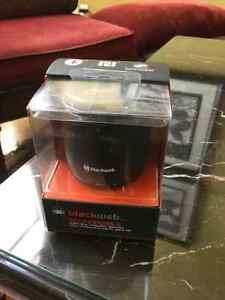 Black web sound pebble wireless speaker