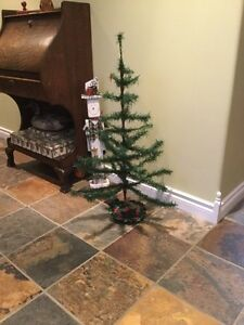 Antique Feather Christmas Tree