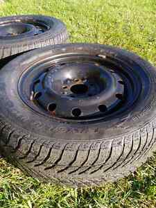 Snow tires with rims - Goodyear Ultra Grip 215/65R16 Cambridge Kitchener Area image 4