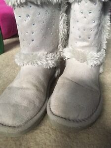 Girls justice boots size 2