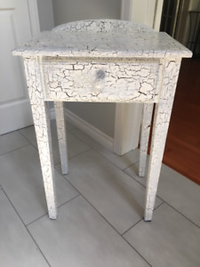 *~* Gorgeous White Crackle Shabby Chic Night / Side Table *~*